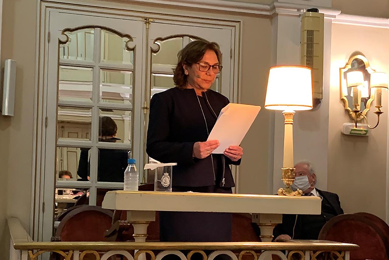 La catedrática de la Facultad de Filología Amparo Alba Cecilia ingresa en la Real Academia de la Historia