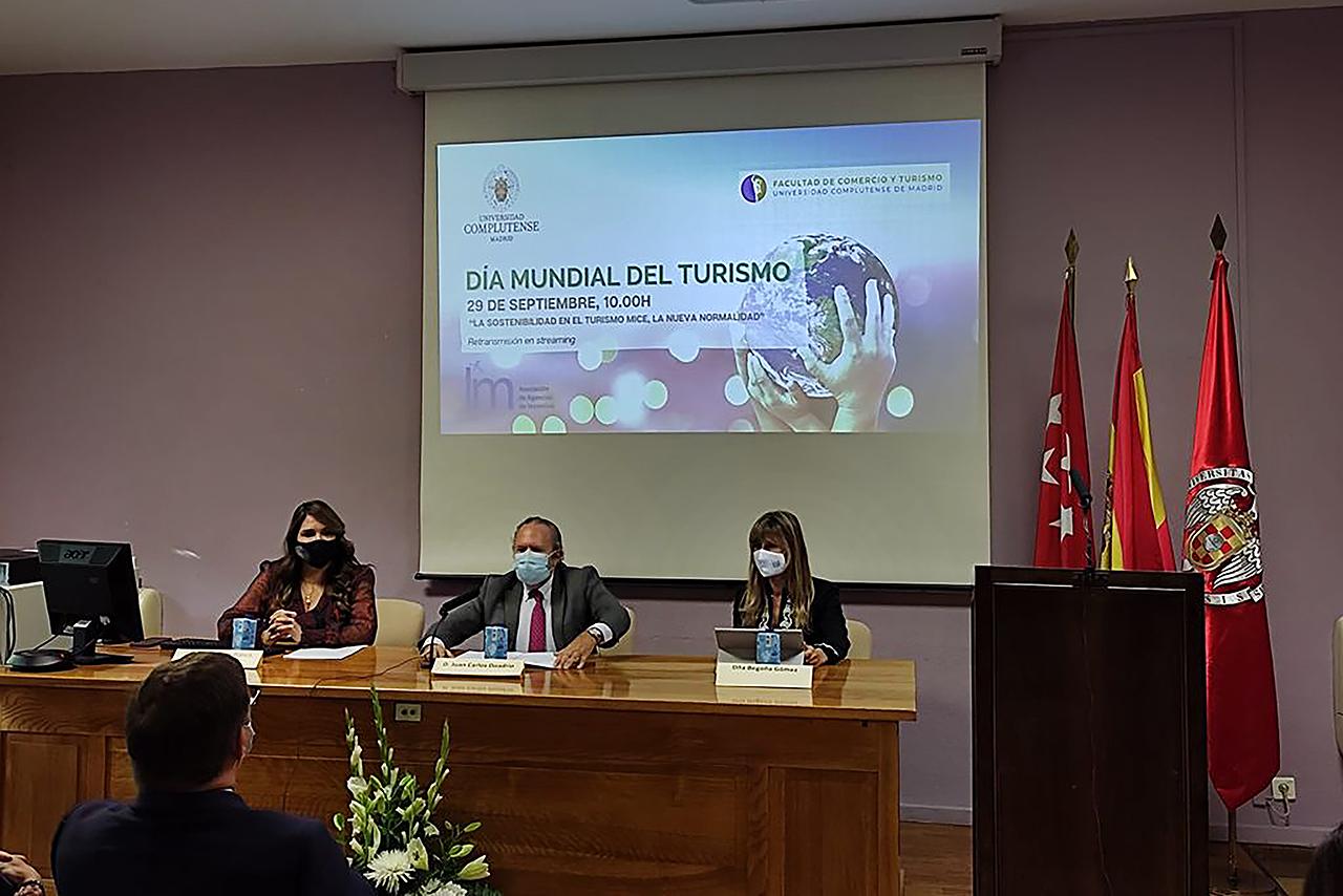 María Francisca Blasco, Juan Carlos Doadrio y Begoña Gómez