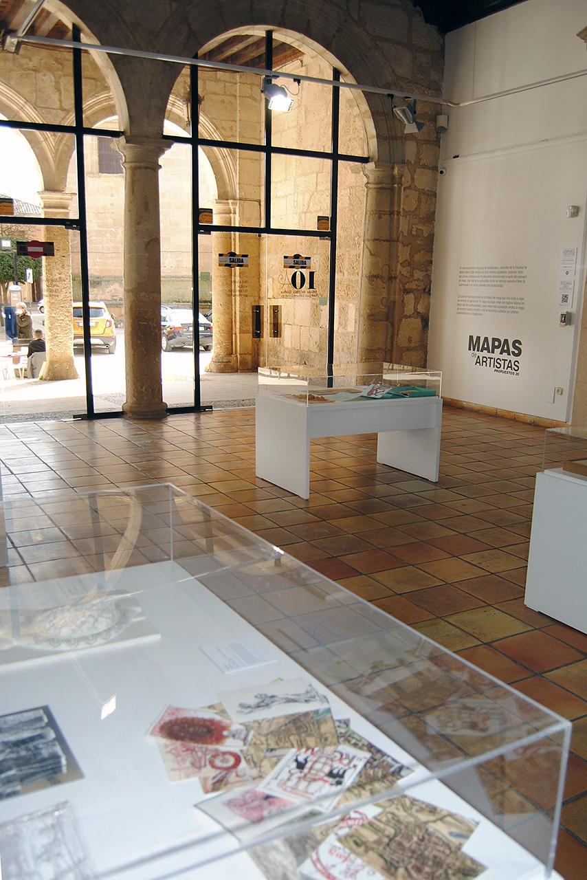 """Aspecto de la exposición """"Mapas de Artistas. Propuestos 20"""""""