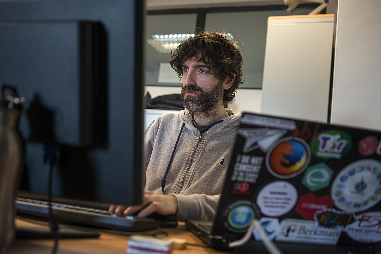 Samer Hassan, en la Facultad de Informática
