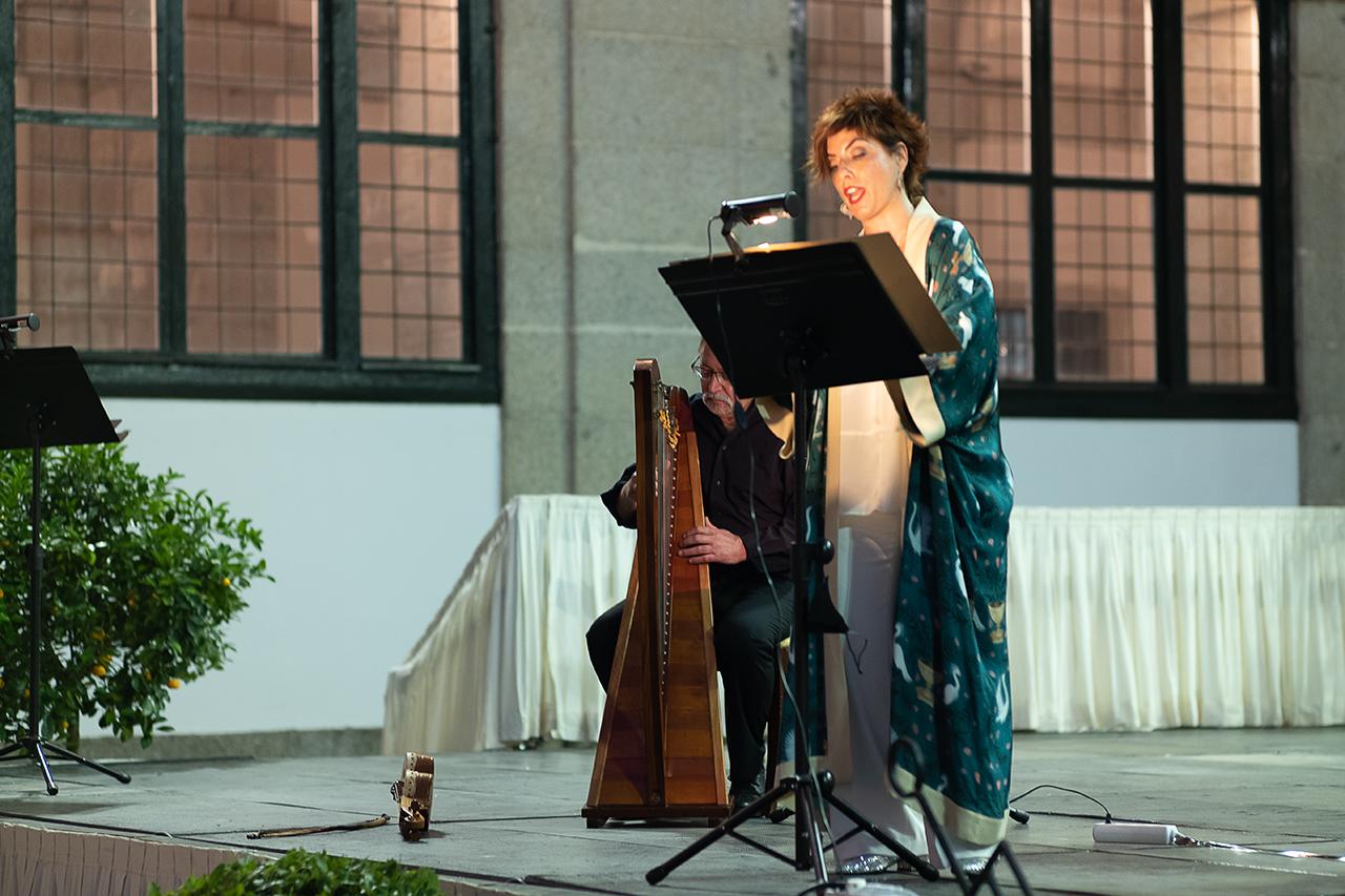 El grupo coral Victoria Cantus, en el recital teatralizado de las Cantigas de Santa María