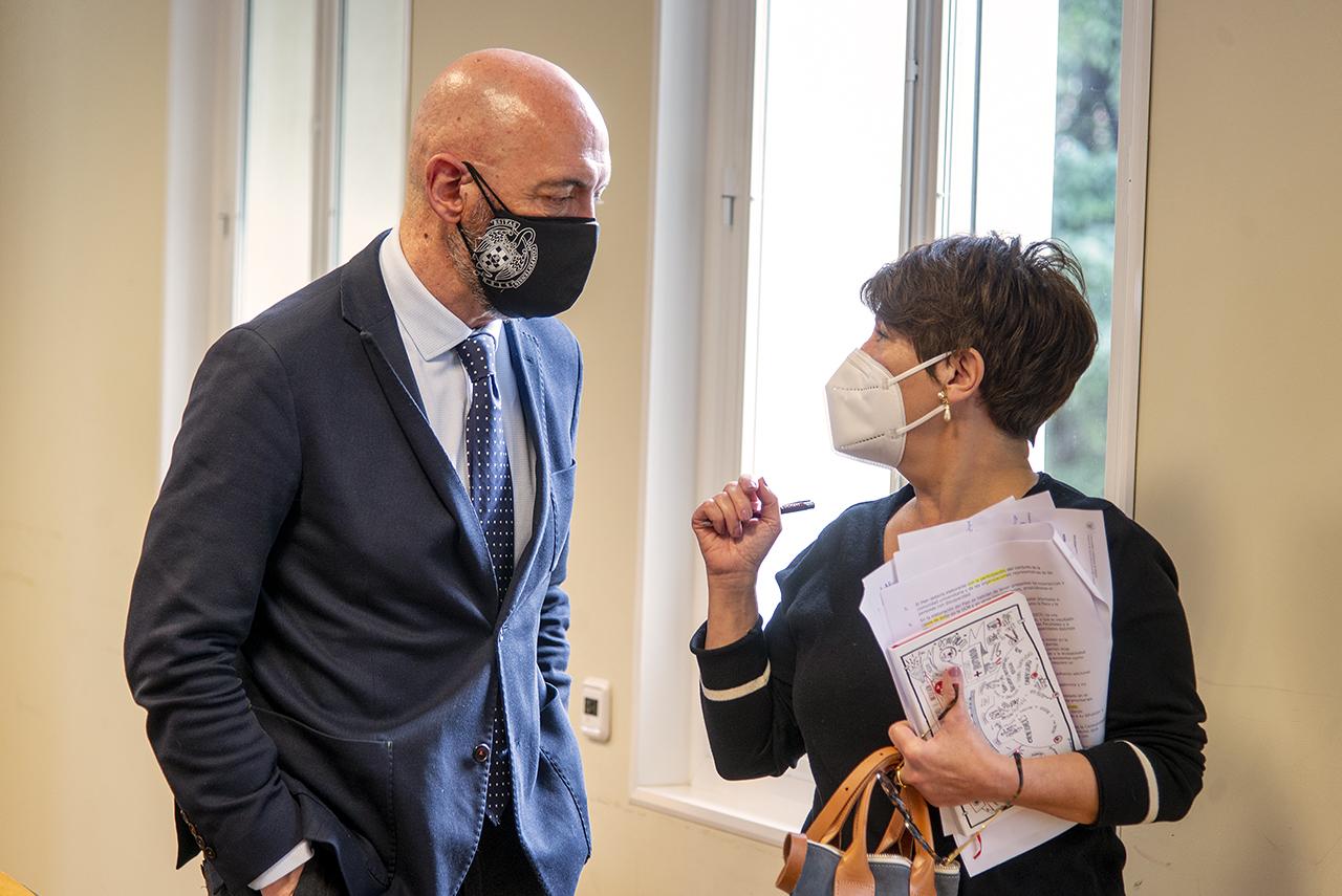 El rector y la delegada para la Diversidad e Inclusión