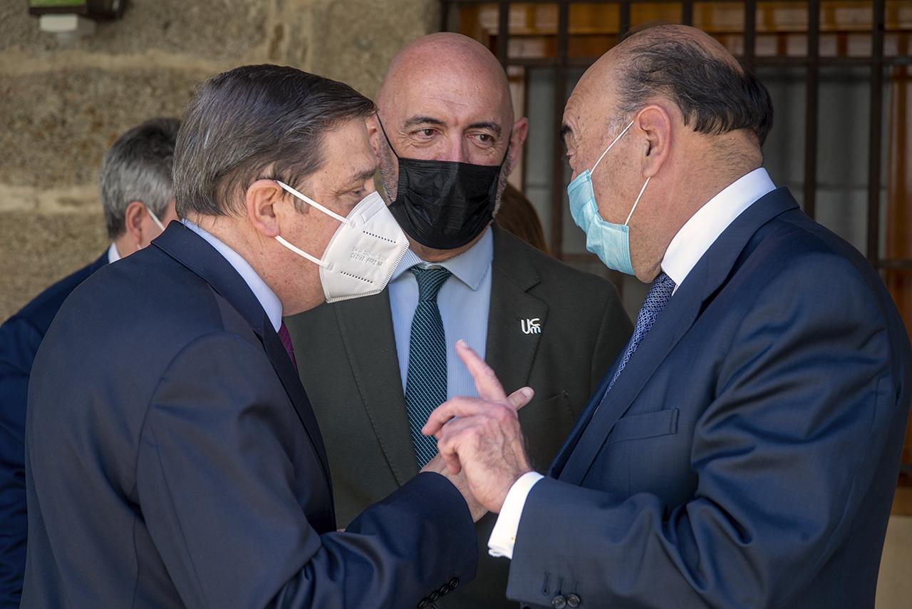 Luis Planas, Joaquín Goyache y Luis Isasi Fernández de Bobadilla
