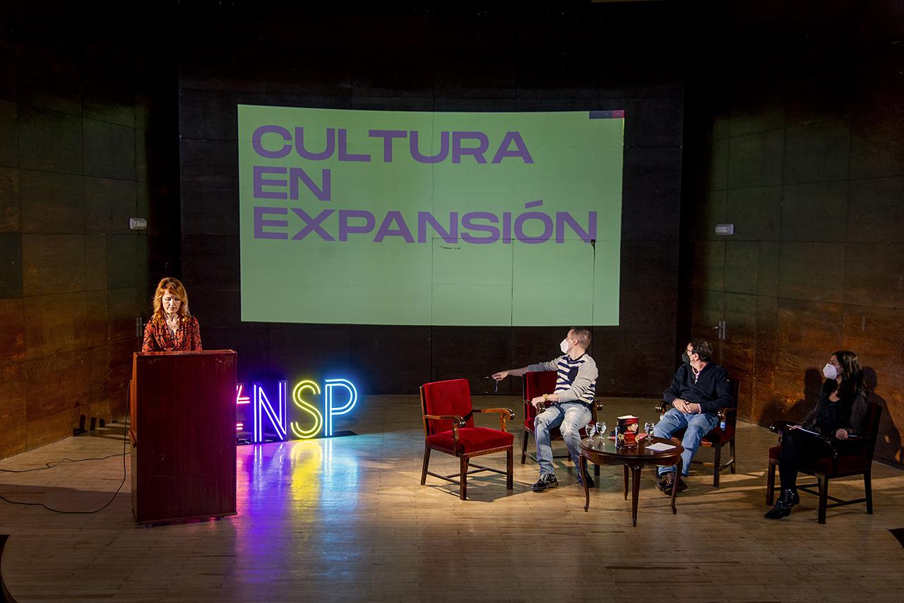 La Facultad de Filología recupera la figura de la dramaturga María Lejárraga