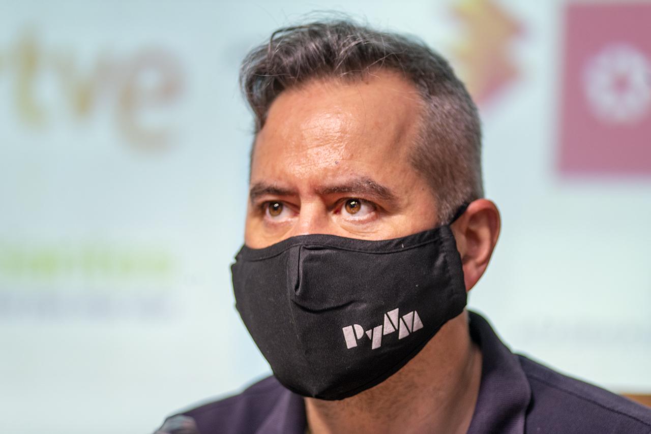 El subdirector del Departamento de Periodismo y Nuevos Medios, Roberto Gamonal