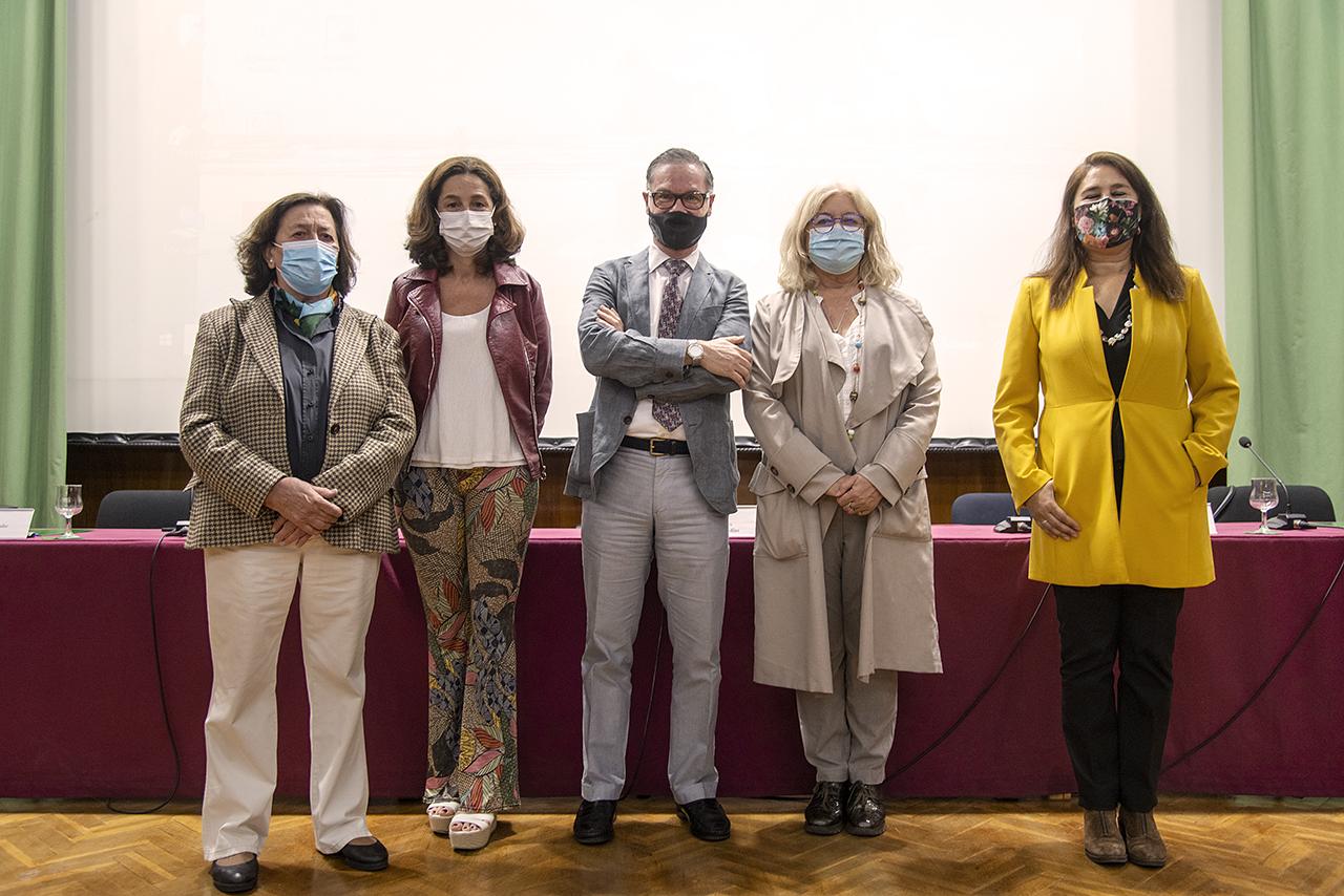 María Castaño, Consuelo Serres, Víctor Briones, Isabel Tajahuerce y Violeta Izquierdo