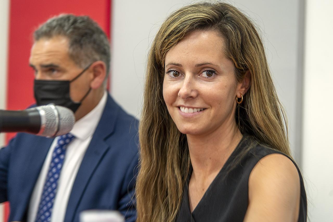 Luis de la Corte y la periodista Pilar Cebrián