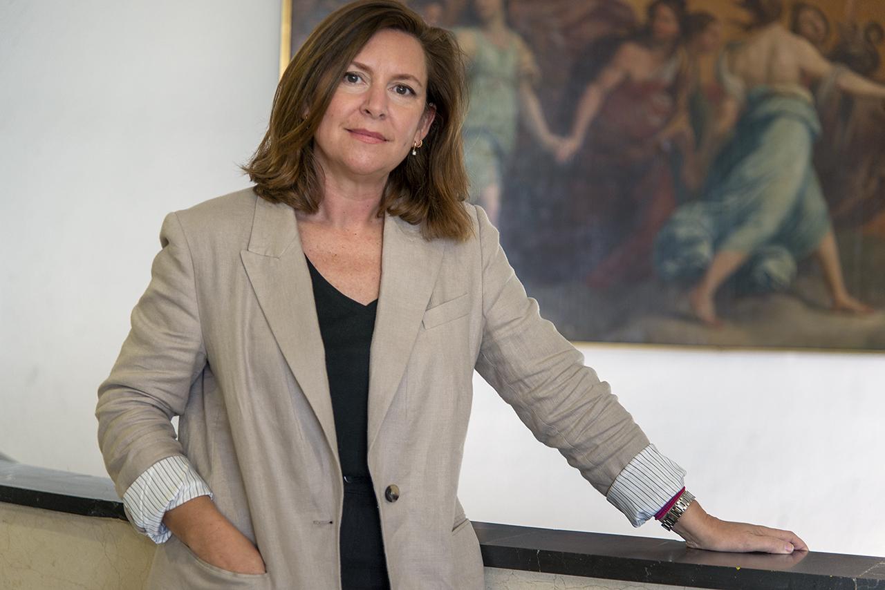 La profesora Silvia García Fernández-Villa, del Departamento de Pintura y Conservación - Restauración de la Facultad de Bellas Artes