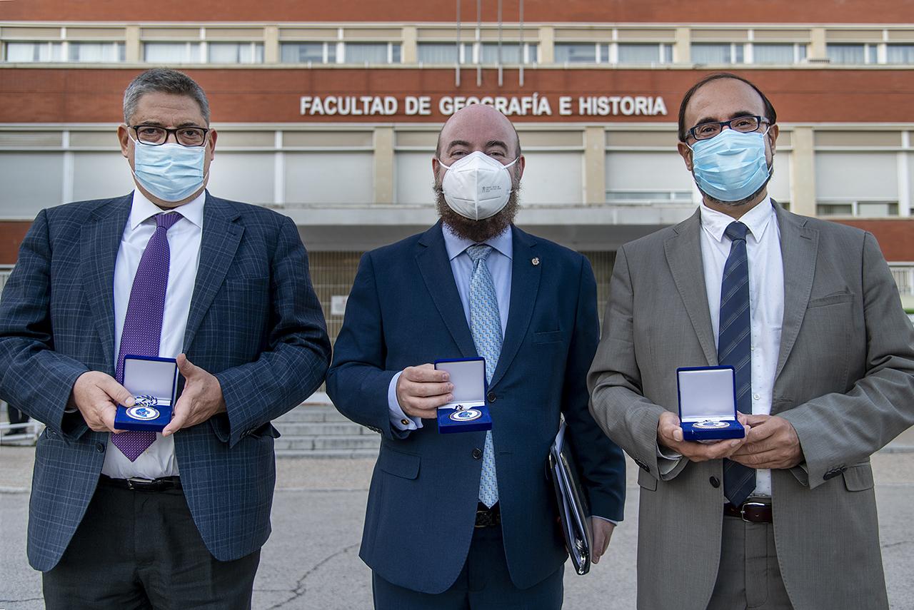 Los decanos de las tres Facultades complutenses premiadas: Antonio Bru, Miguel Luque y Eugenio Luján