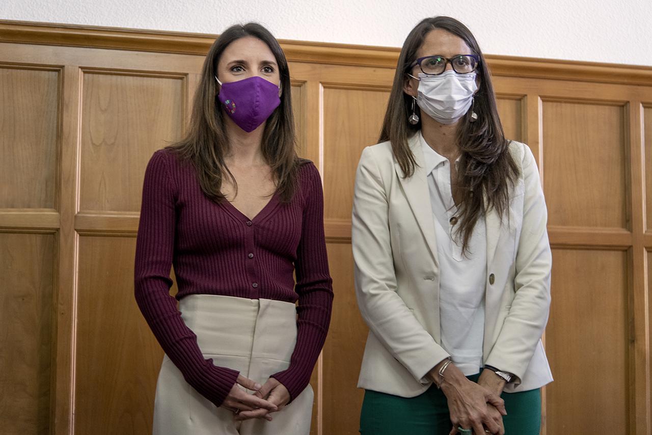 Irene Montero y Elizabeth Gómez Alcorta