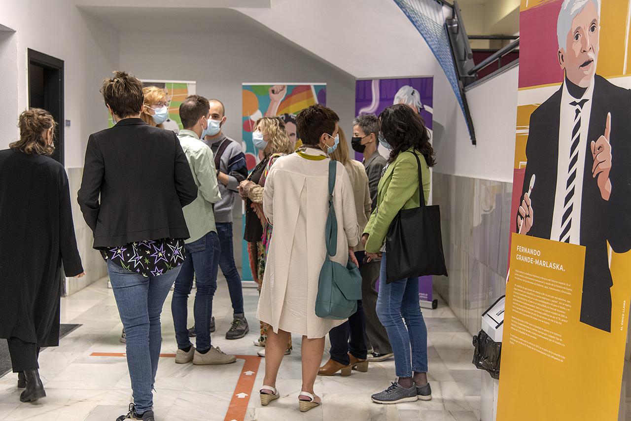Los asistentes recorrieron la exposición