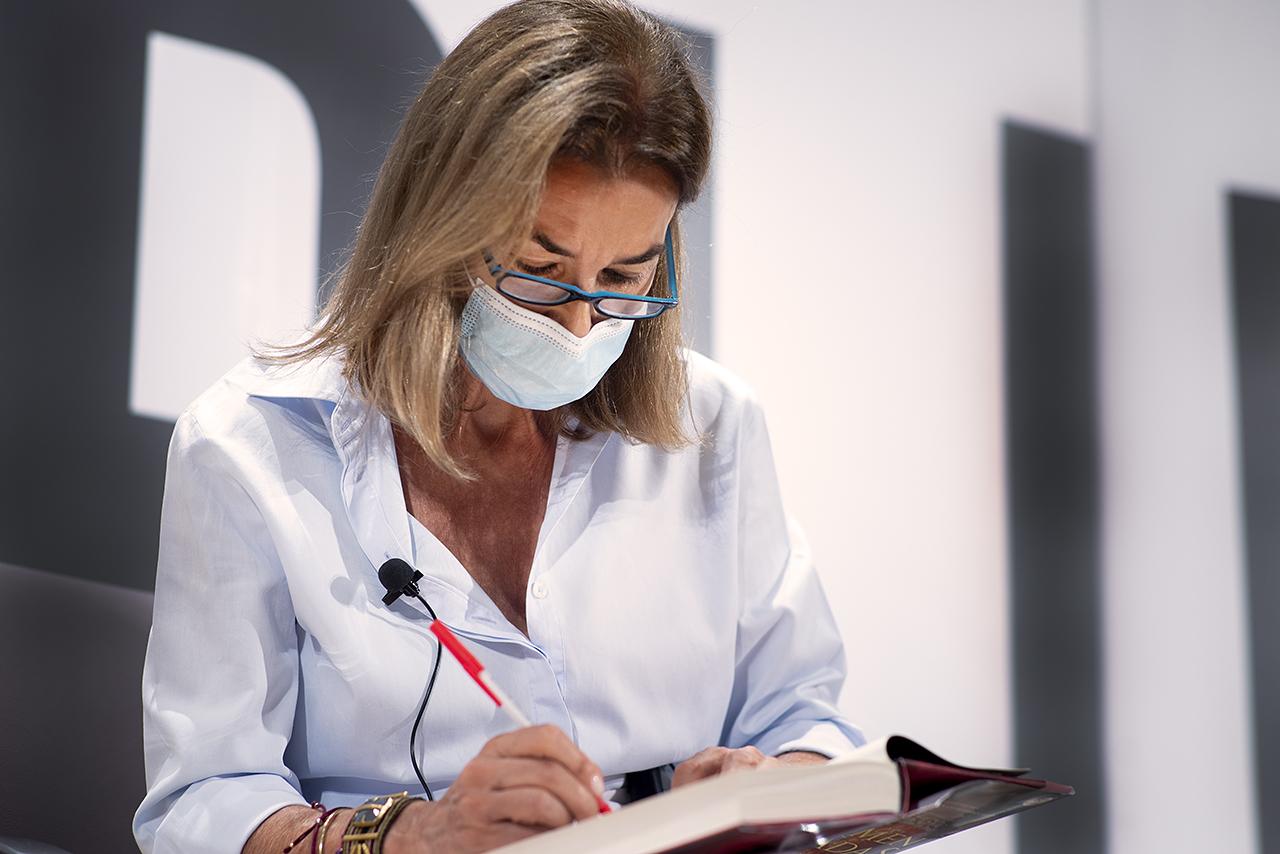 Carmen Posadas dedica uno de sus libros