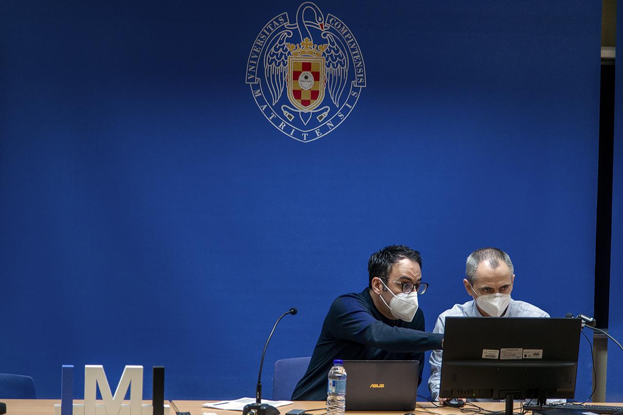 Los profesores Juan Seoane Sepúlveda y Gustavo Adolfo Muñoz Fernández