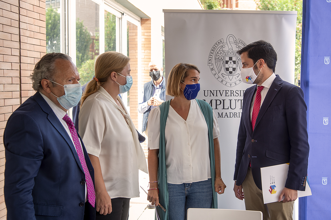 Representantes de la UCM, el Ayuntamiento de Madrid y la Asociación de Colegios Mayores de Madrid