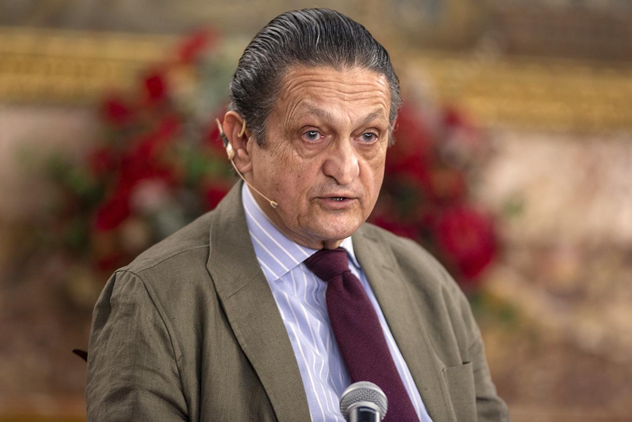 El director de Actos Oficiales y Culturales, Fernando Fernández-Miranda,