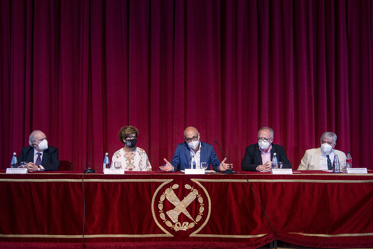 Santiago Giménez, Nieves Rojo, Juan Antonio Valor, Javier Bandrés y José Javier Campos