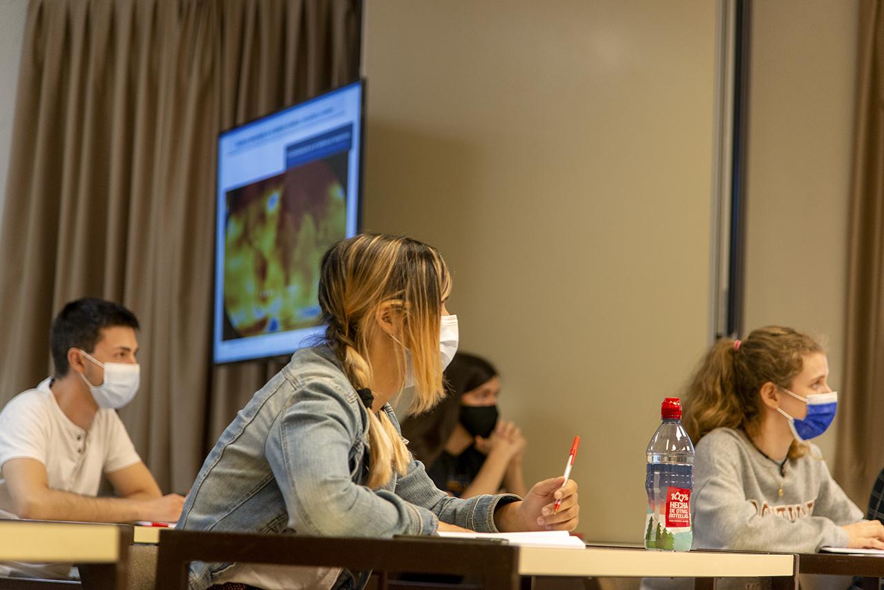 """Los participantes el curso """"Materiales y algo más en UNA Europa: Materiales avanzados para un mundo sostenible"""" son todos estudiantes de máster y doctorado"""