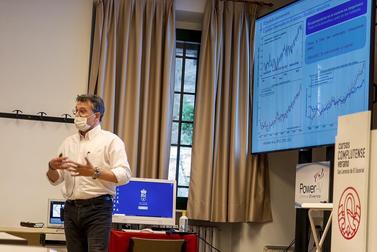 El profesor Fidel González Rouco ha impartido una conferencia sobre el cambio climático