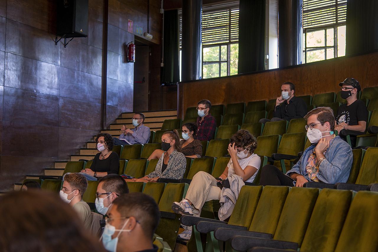 El paraninfo de Filología y Filosofía ha acogido la inauguración del master universitario en Estudios LGBTIQ+