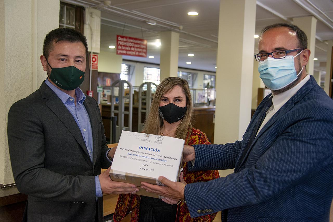 La Facultad de Filología crea una Biblioteca Básica del Español en la Universidad de Kabul