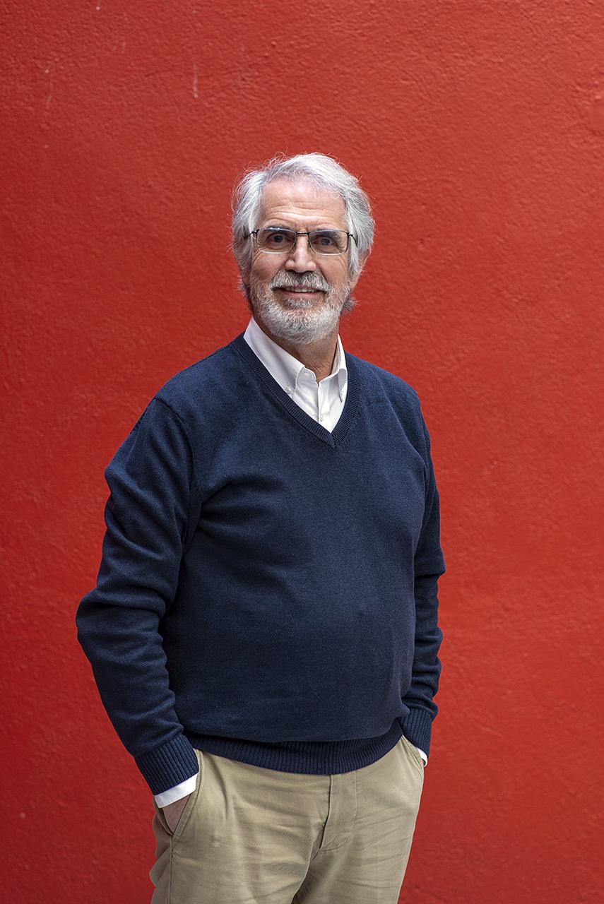 Pedro Saura lleva cuarenta años divulgando el arte rupestre