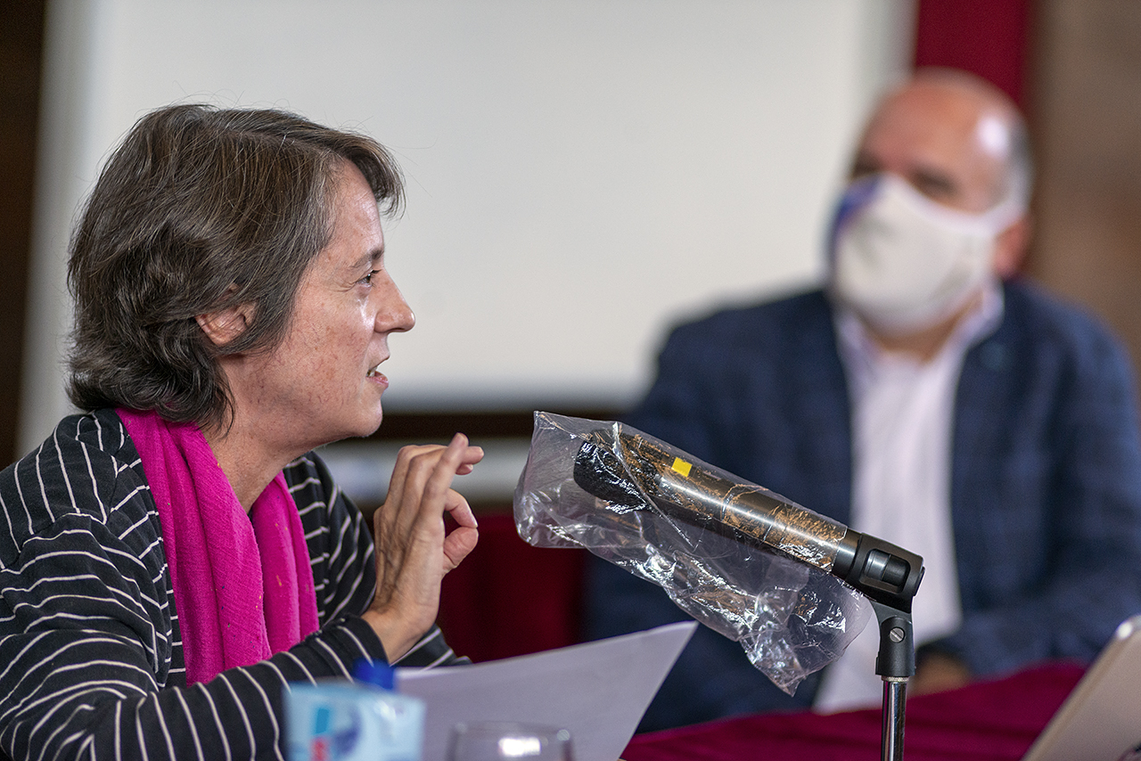 La escritora Marta Sanz y José Manuel Lucía Megías, en el paraninfo de la Facultad de Filología han inaugurado el máster de Estudios Literarios