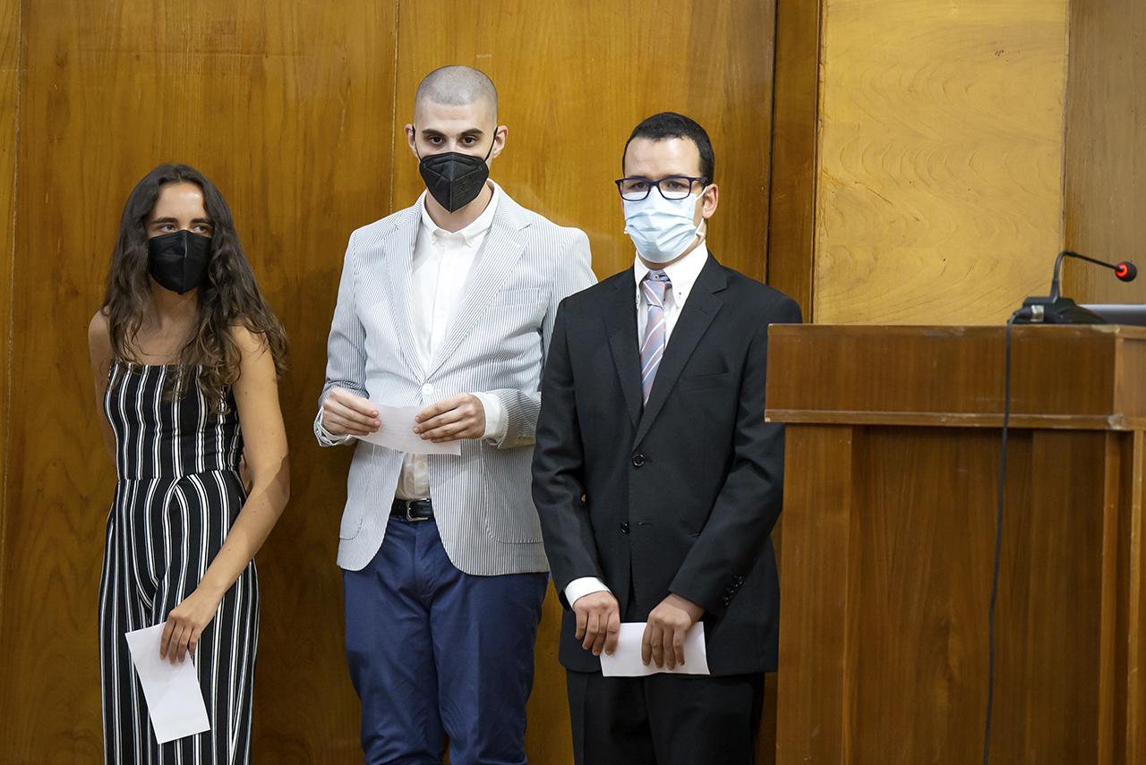 María, Ángel y Jorge dieron las gracias en representación de los estudiantes