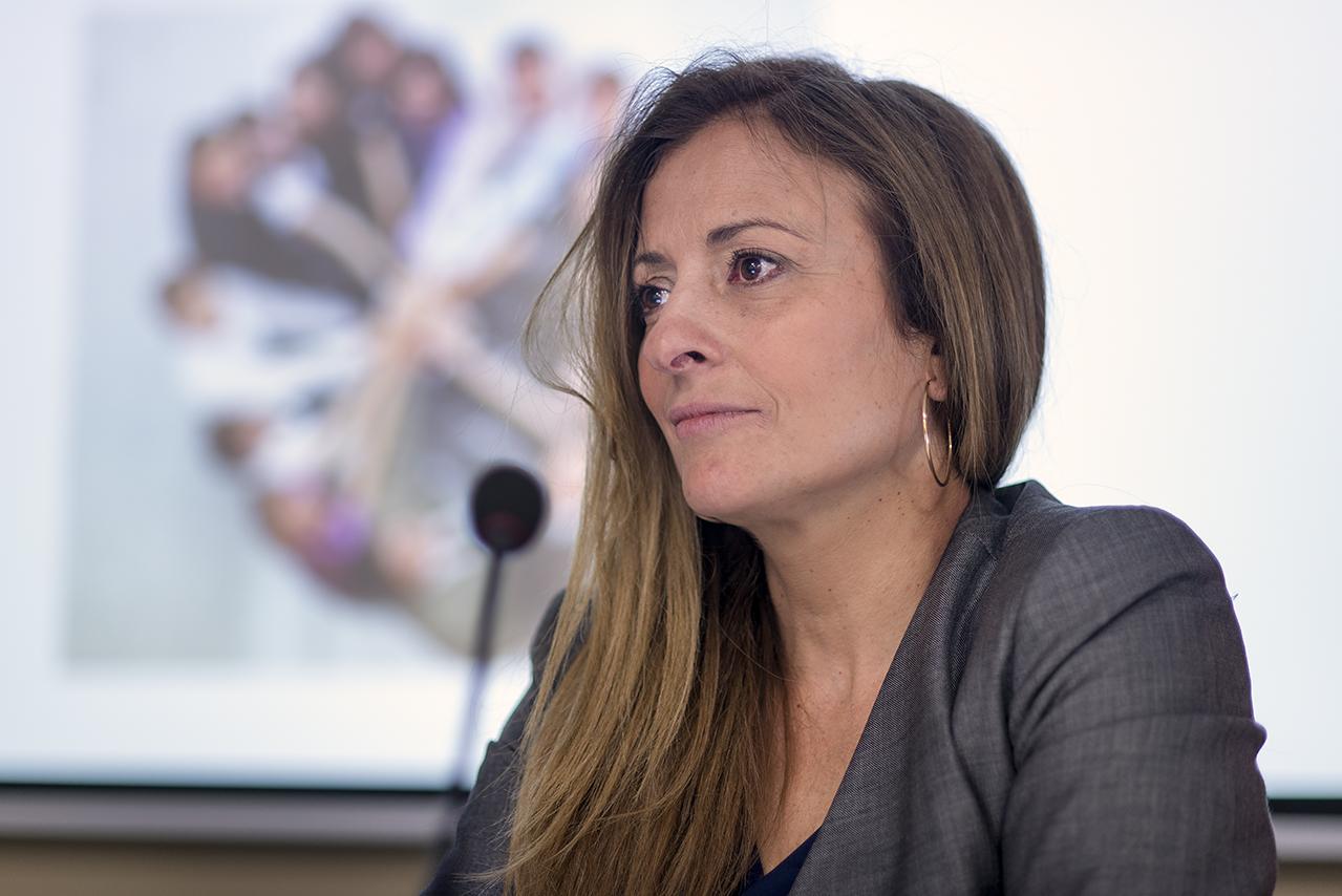 María Paz García-Vera recibe la Cruz de ingreso en la Orden del Mérito Policial