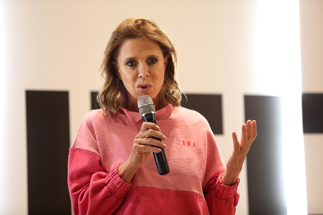 Ágatha Ruiz de la Prada durante su intervención en los Cursos de Verano