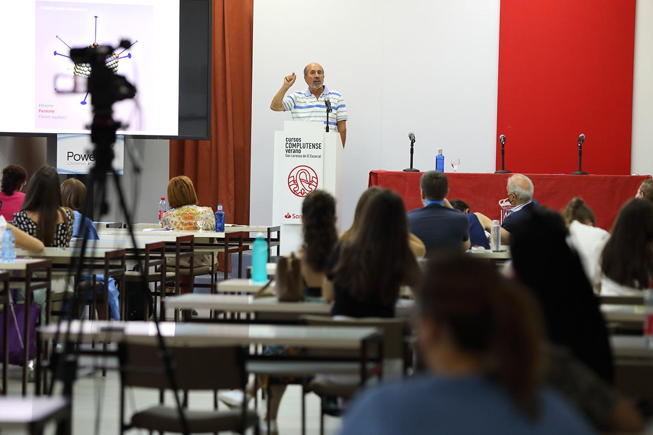 Mariano Esteban Rodríguez informa de que ya están preparando los primeros ensayos clínicos después de los buenos resultados obtenidos con animales