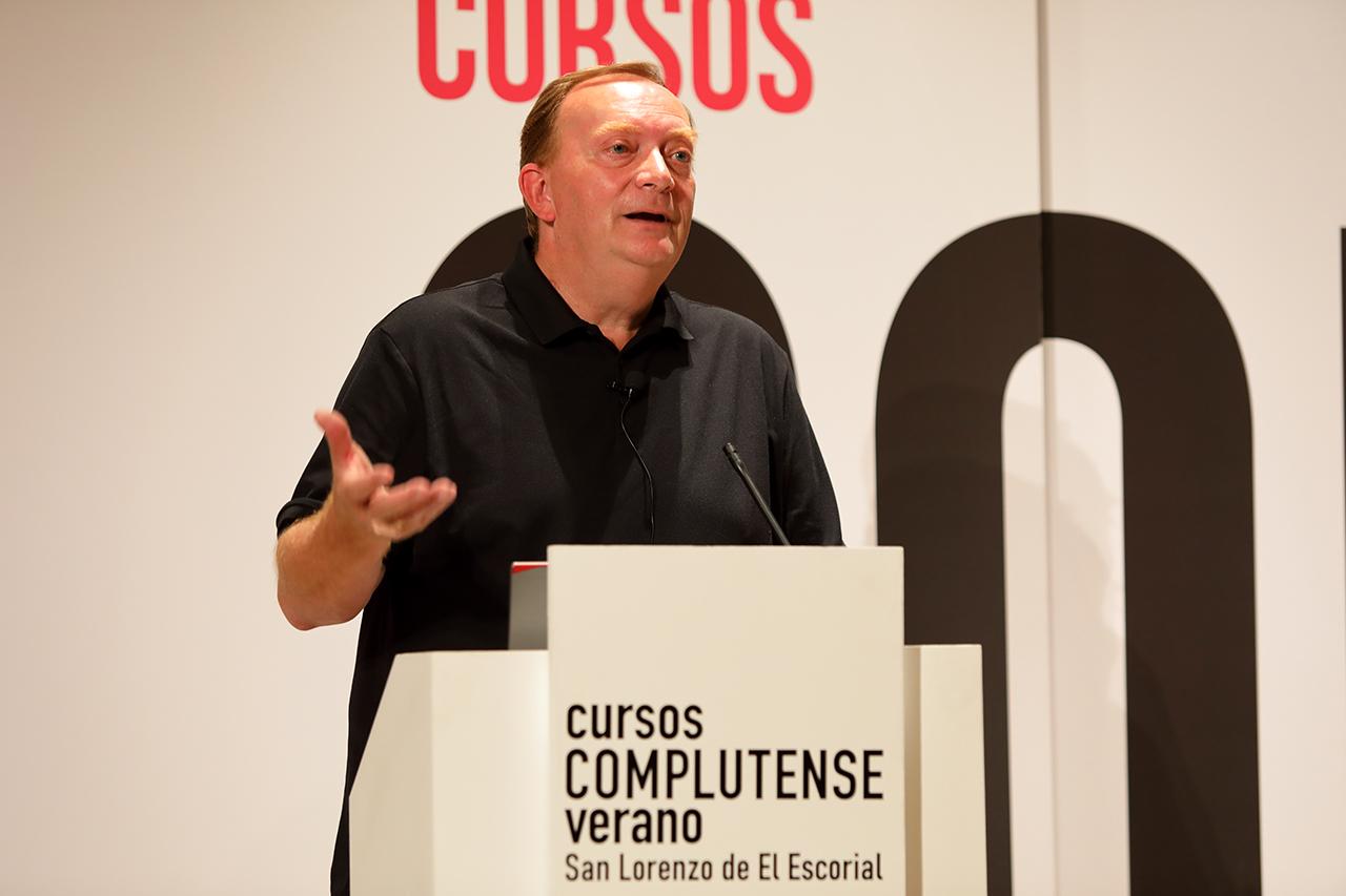 """La conferencia se tituló """"El caballo español en el Renacimiento: bailando con nobles"""""""