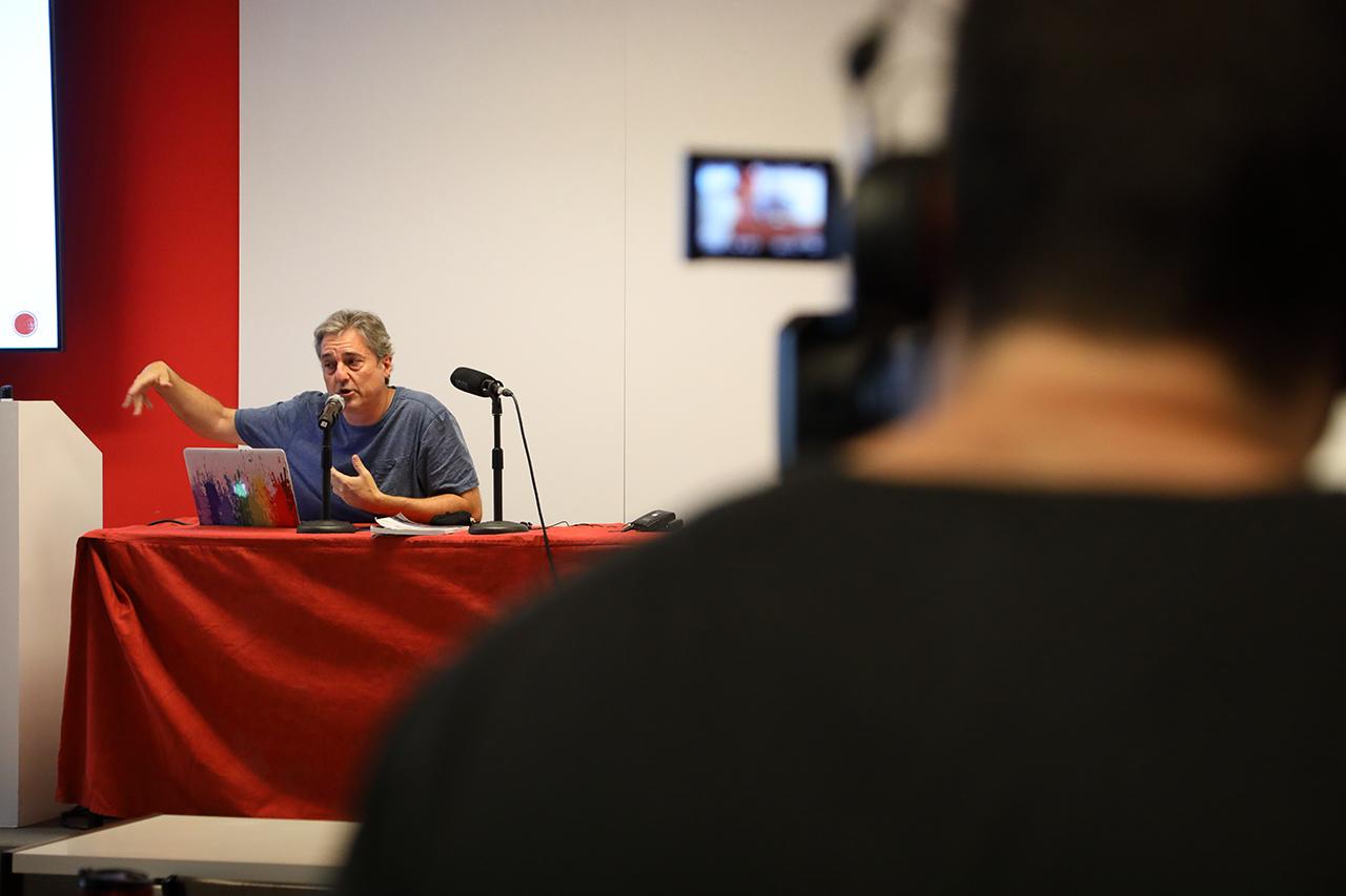 Jaume Peris, durante su exposición