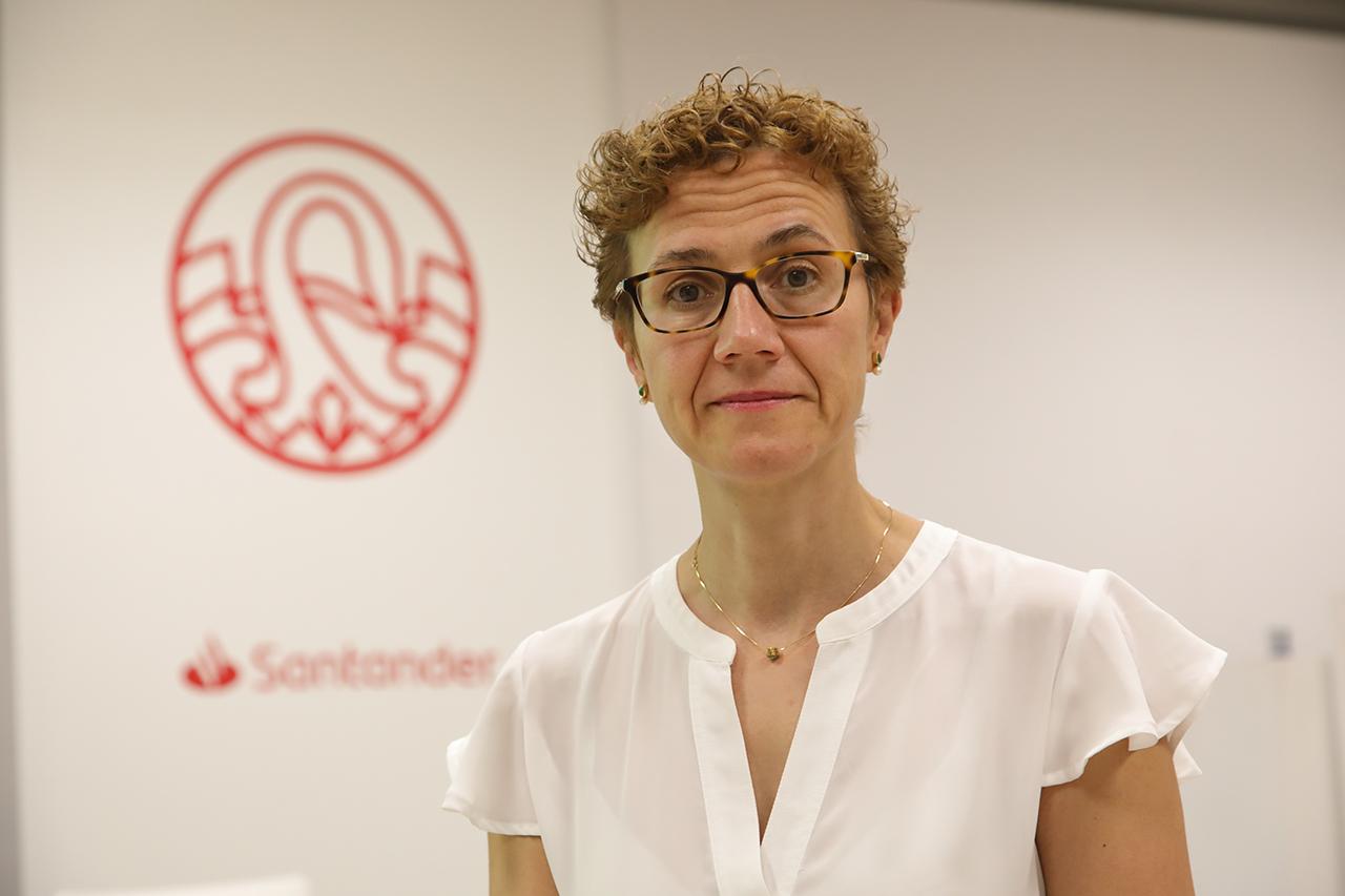 """Albertina Cabañas, profesora del Departamento de Química Física de la UCM, y directora del curso """"Química sostenible: Retos y oportunidades"""""""