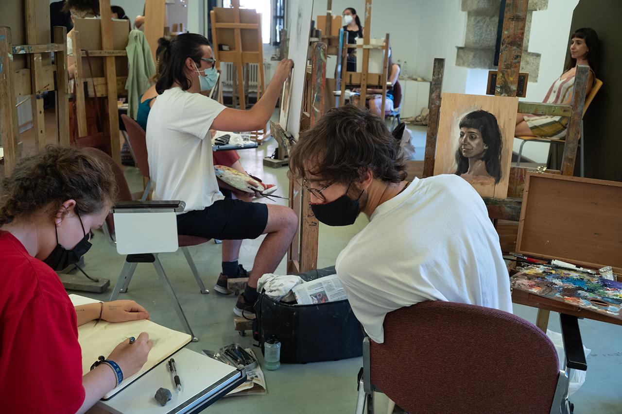 Jornada de trabajo en el taller de retrato de Hernán Cortés