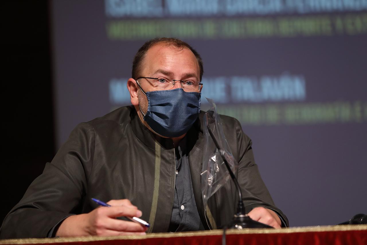 El vicedecano de Estudiantes y Comunicación de la Facultad de Ciencias de la Información, Cristóbal Fernández Muñoz