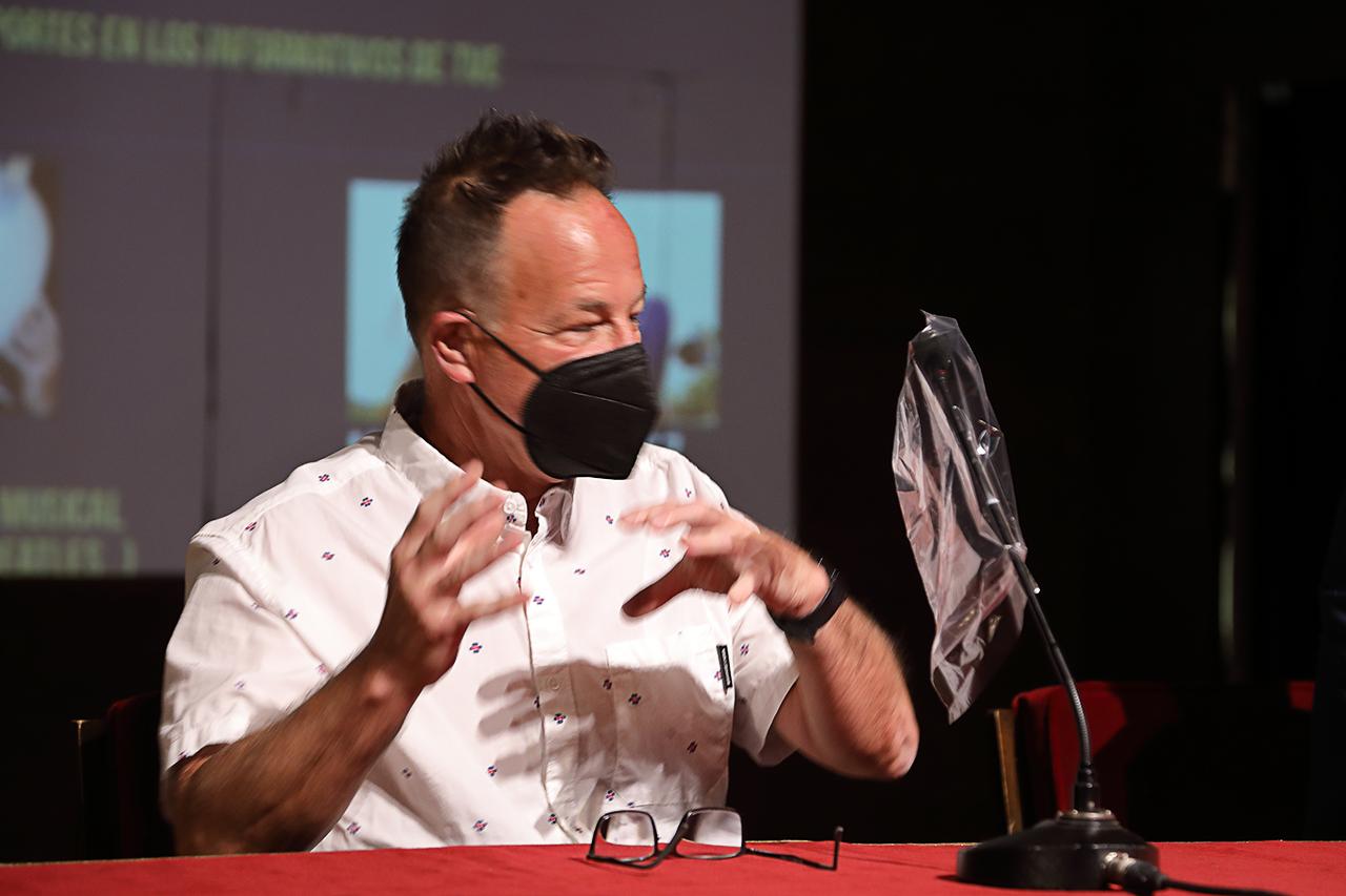 Nigel Walker, ingeniero y productor musical, ganador de 3 Premios Grammy
