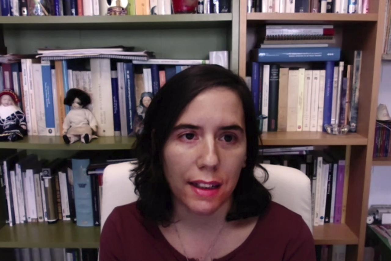 Elisa Martín, de la Universidad Autónoma de Madrid, moderadora del primer panel del coloquio