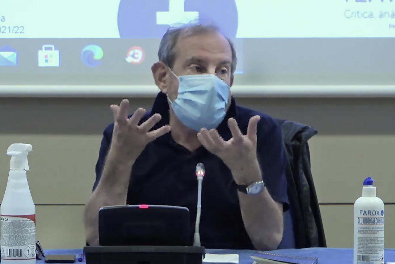 Rubén Szuchmacher, director, actor, docente y gestor teatral, ha sido el responsable de impartir la conferencia inaugural del nuevo curso del Instituto del Teatro de Madrid (ITEM)