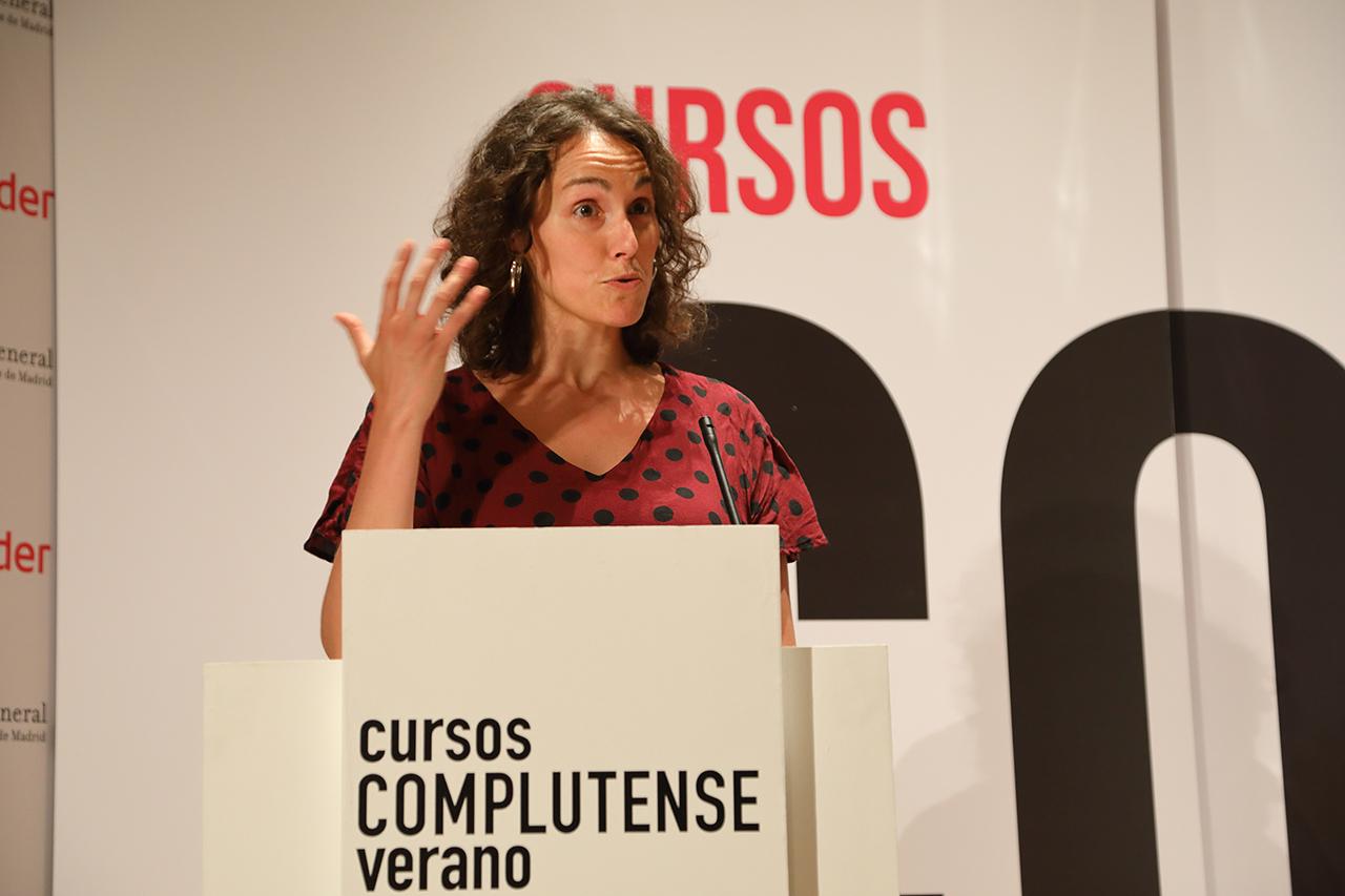 Sara Torres, coordinadora de las actividades  culturales y extraordinarias de los Cursos