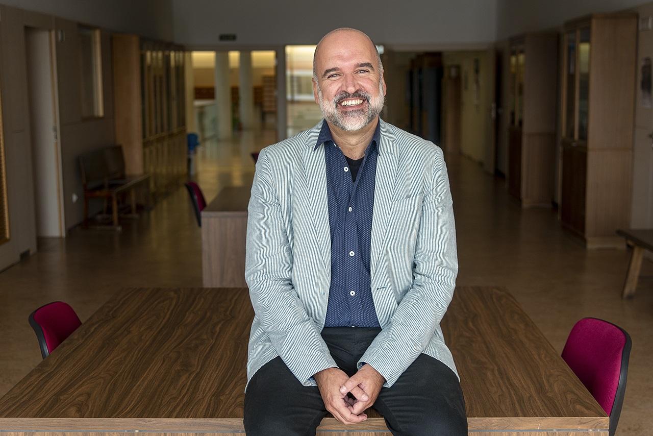 José Manuel Lucía Megías, finalista de poesía en los Premios Estandarte 2020