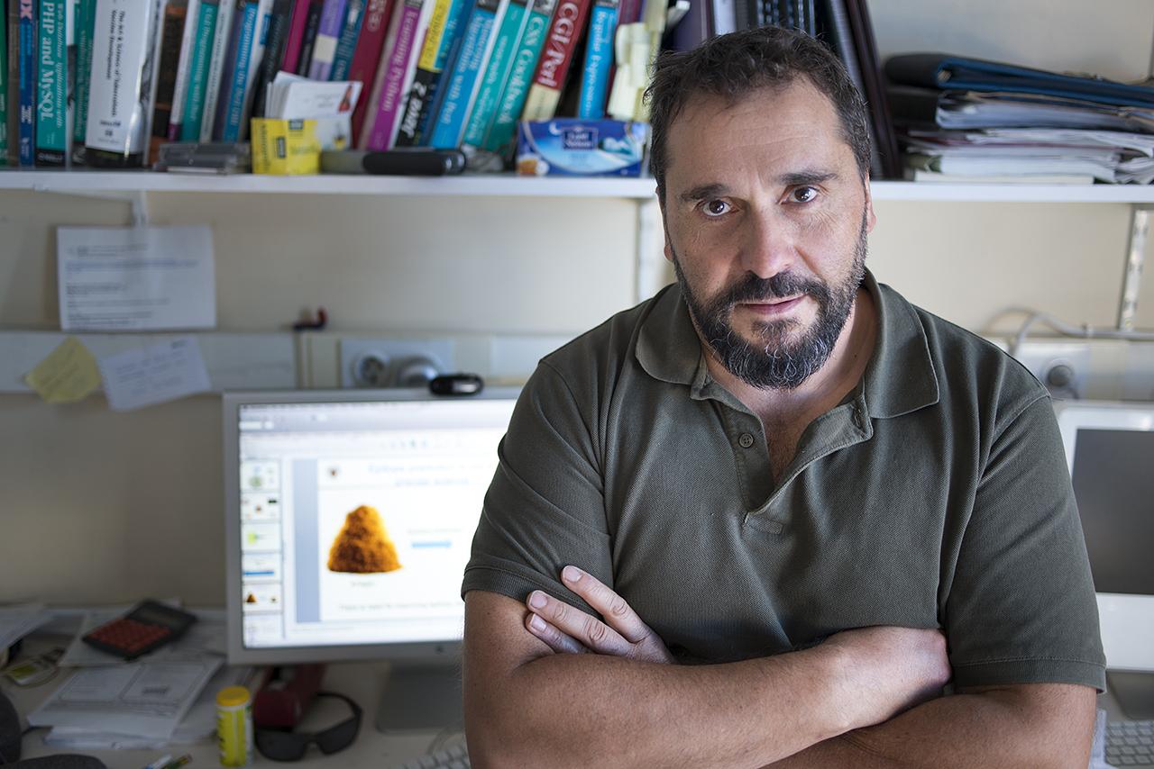 Pedro Antonio Reche ha desarrollado una metodología computacional para identificar el solapamiento entre los epítopos que hay en las vacunas pediátricas y los del coronavirus